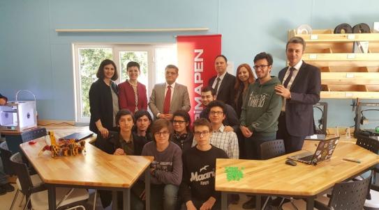 Ouverture de la Chambre Maker Pimapen au Lycée Anatolien de Kadıköy.