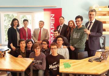 A été réalisée l'ouverture de la Chambre Maker Pimapen au Lycée Anatolien de Kadıköy.  A été réalisée l'ouverture de la Chambre Maker Pimapen au Lycée Anatolien de Kadıköy.